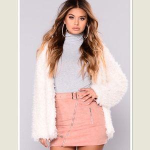 NWOT Soft fuzzy jacket sz M